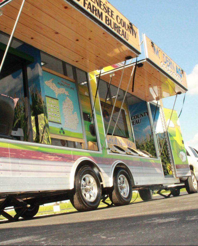 Mobile Trailer Exhibit Exterior 03