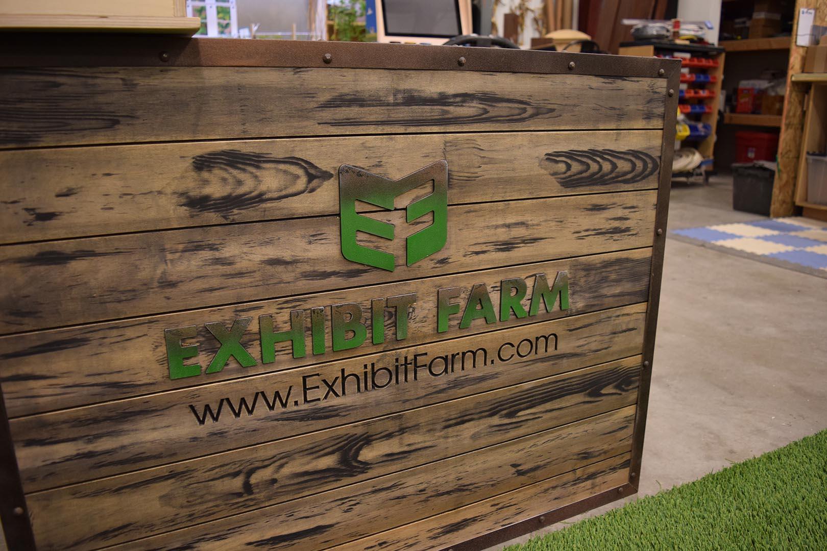 Exhibit Farm Display Crate